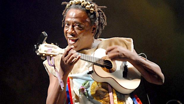 Maurício Tizumba se dedica à música africana há mais de 40 anos