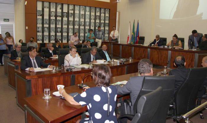 Vereadores da Câmara de Ipatinga apreciam  e aprovam em primeira votação projetos de lei que destinam recursos a várias entidades