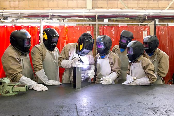 Os interessados poderão se capacitar e se especializar nas áreas do aço inox