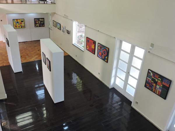 O foyer da Fundação Aperam Acesita está recebendo duas exposições que irão integrar a programação cultural até o final de novembro.