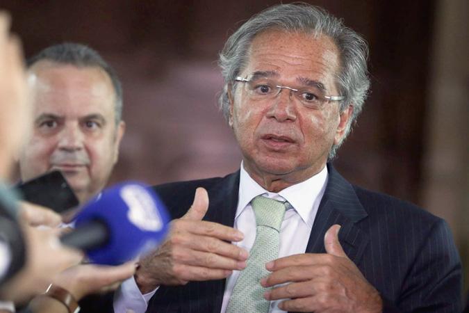 O ministro da Economia Paulo Guedes disse que governo trabalha com duas ou três versões da proposta - Foto: Valter Campanato/Agência Brasil