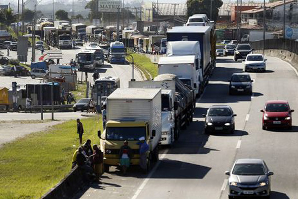Cartão-caminhoneiro será lançado em 90 dias - Foto: (Thomaz Silva/Agência Brasil)