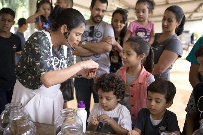 O projeto leva conscientização às crianças de forma lúdica e empírica