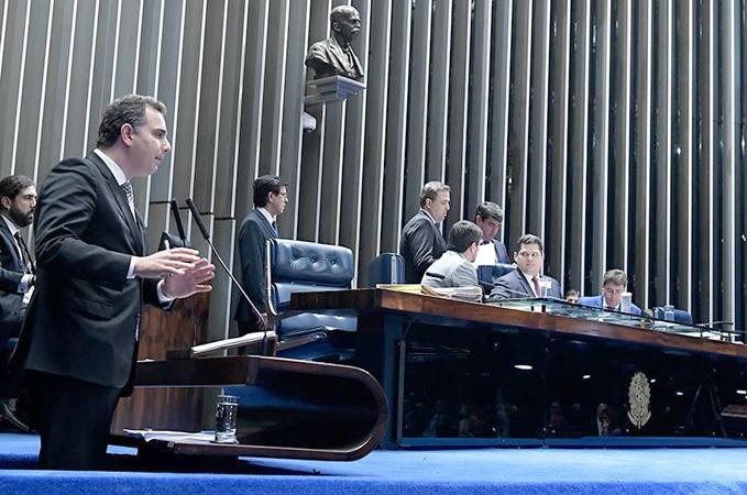 Em pronunciamento, o relator do projeto, Rodrigo Pacheco - Foto: Waldemir Barreto/Agência Senado