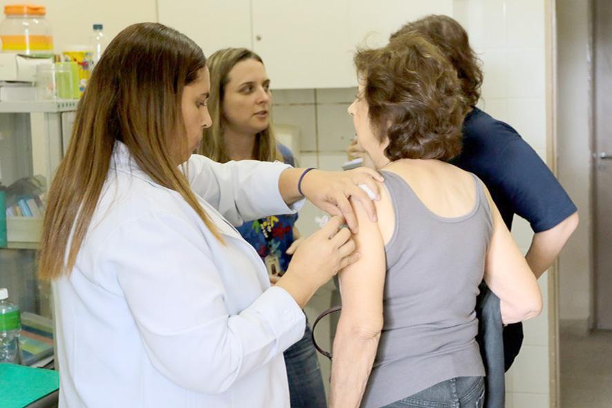 Dia D de Vacinação contra a Influenza (gripe). Wilson Dias/Agência Brasil
