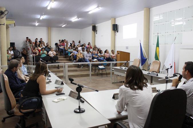 Em Santana do Paraíso, a presença do público foi marcante na audiência de discussão do PDDI