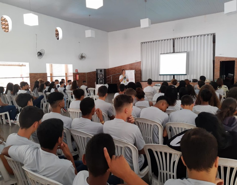 O Innovation Camp reuniu 100 alunos das escolas de Timóteo para uma experiência intensa