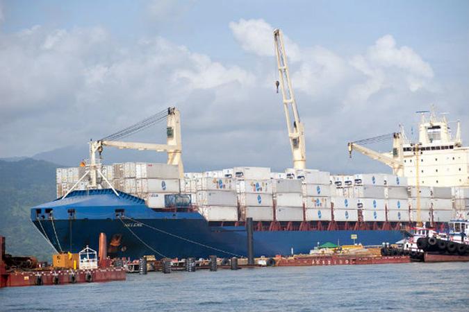 Exportações superaram importações em R$ 3,428 bilhões - oto - Agência Brasil