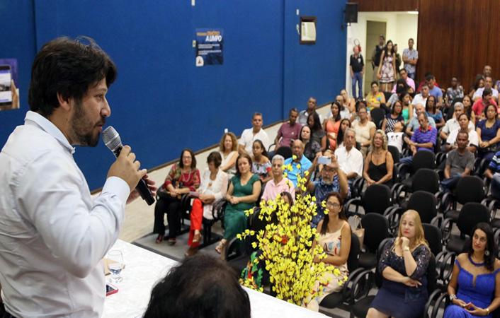 Cerimônia contou com presença de autoridades, amigos e familiares dos conselheiros eleitos