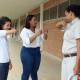 Estudantes de enfermagem dão orientação de higiene aos empregados da CENIBRA