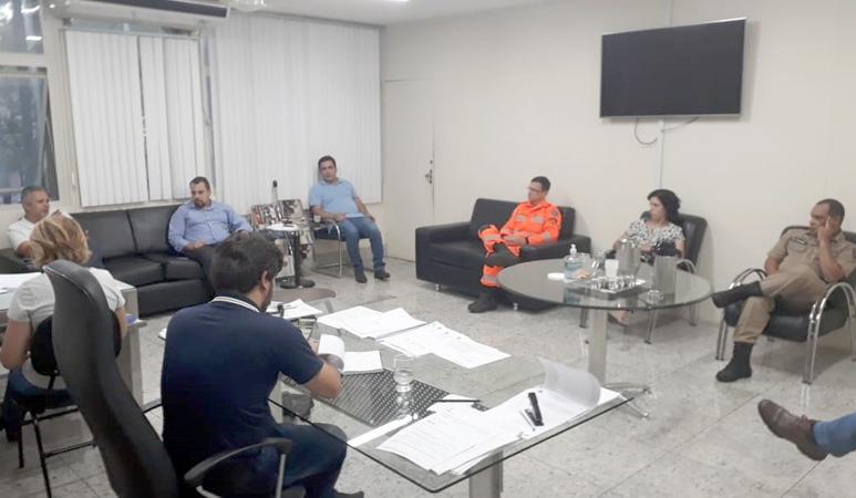 Após reunião com empresários, aconteceu a reunião com comitê de crise