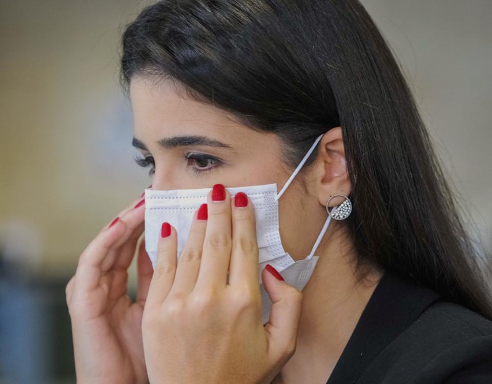 Uso de máscaras para clientes e frequentadores do comércio, indústria e prestadoras de serviços