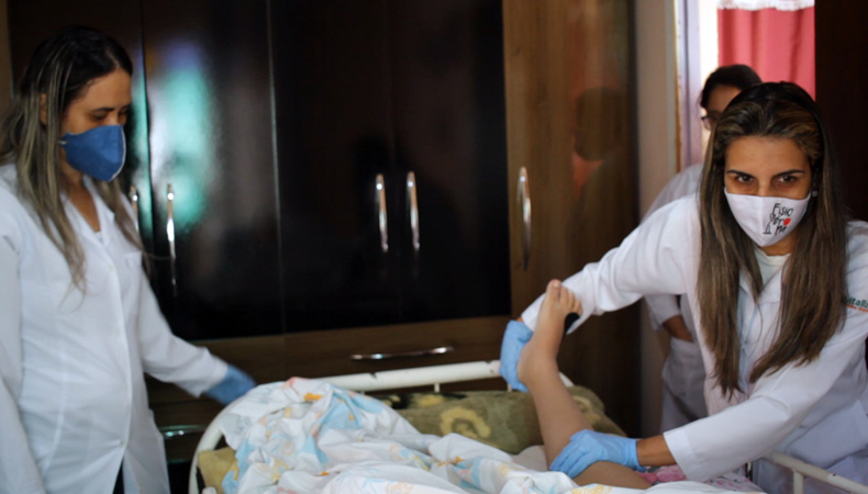A iniciativa visa melhorar a qualidade de vida dos pacientes com atendimento humanizado e feito por uma equipe qualificada dentro da própria casa