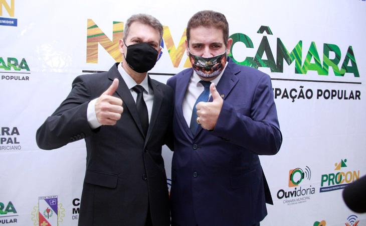 Dr. Marcos Vinicius Bizarro (PSDB) tomou posse como o prefeito pela 2ª vez, agora ao lado do vice, o empresário Sadi Lucca (PL)