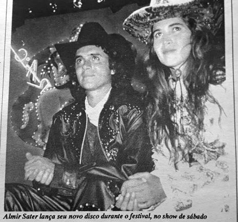 Como diz a legenda da foto, Almir Sater escolheu o Uirapuru para lançamento nacional do seu novo disco, pela representatividade do Festival - Foto: Jornal do Alfa