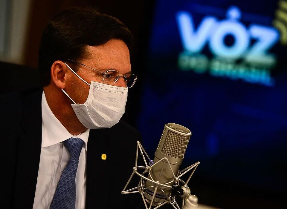 O ministro da Cidadania, João Roma, participa do programa A Voz do Brasil